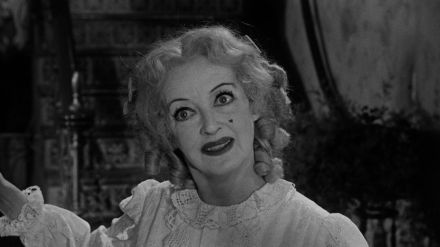 Che-fine-ha-fatto-Baby-Jane-Bette-Davis-1.jpg