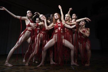 suspiria-2018-001-bodies-limbs-akimbo.jpg